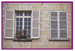 äldre kvinnors fönster